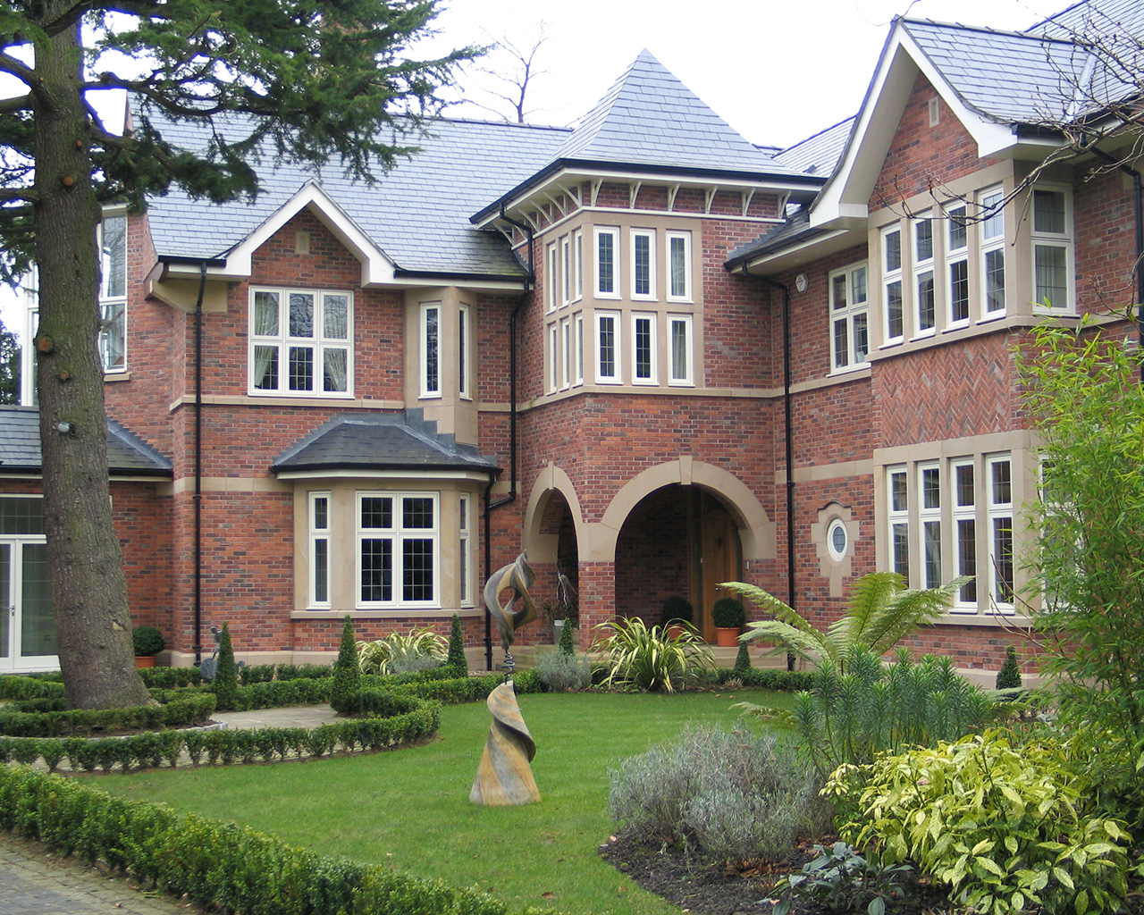 Five Bedroomed Luxury Property (Cheshire)